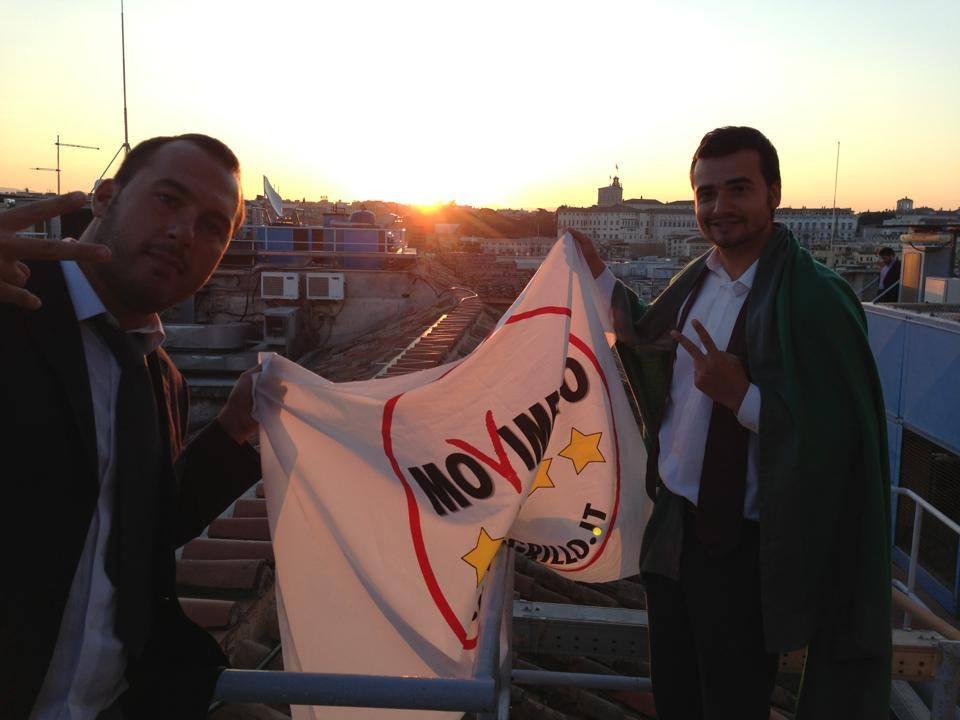 Carlo sul tetto bandiera