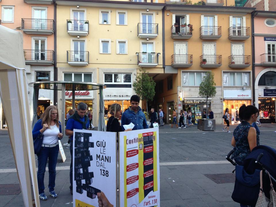 cartellone gente banchetto