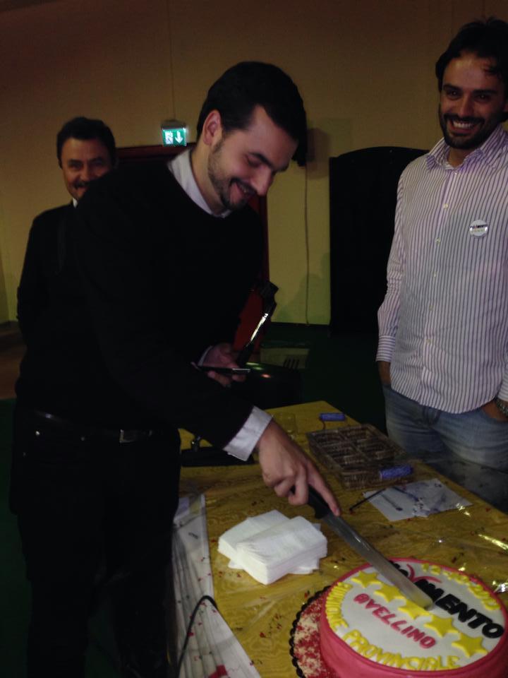 Carlo taglia torta
