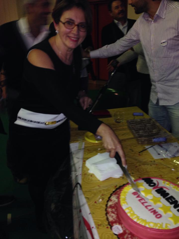 Tiziana taglia torta